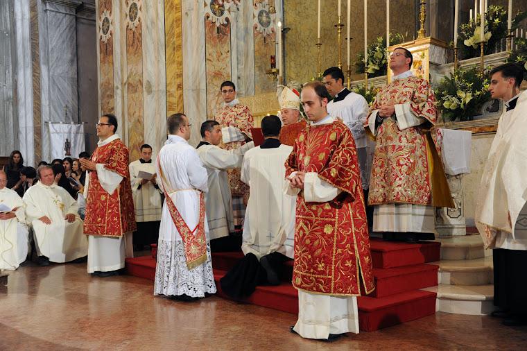 ORDINAZIONE PRESBITERALE DI D. GIUSEPPE LAVECCHIA 24 8 2011