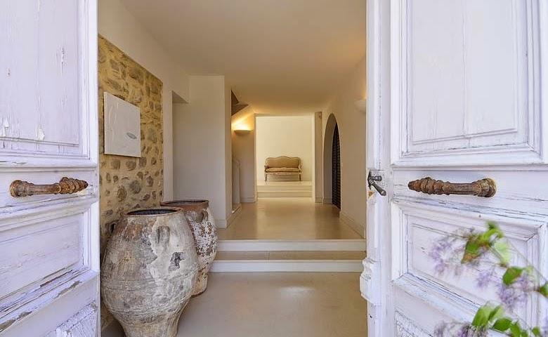 interiorismo elegante en la provenza francesa