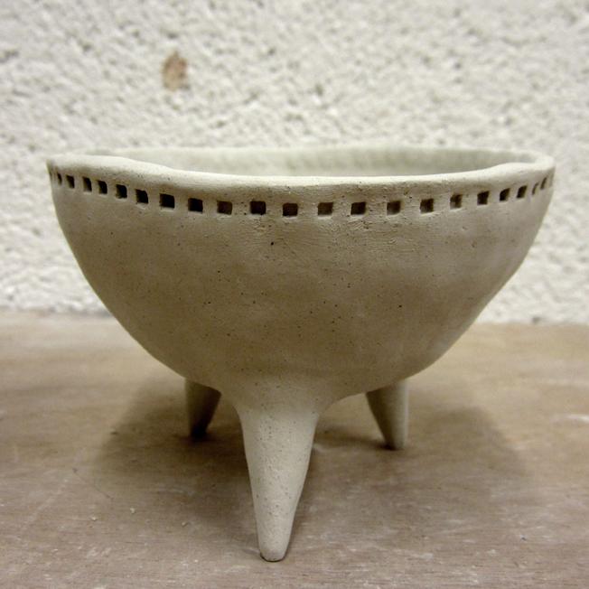 bol à pattes en céramique - http://spicerabbits.blogspot.fr/