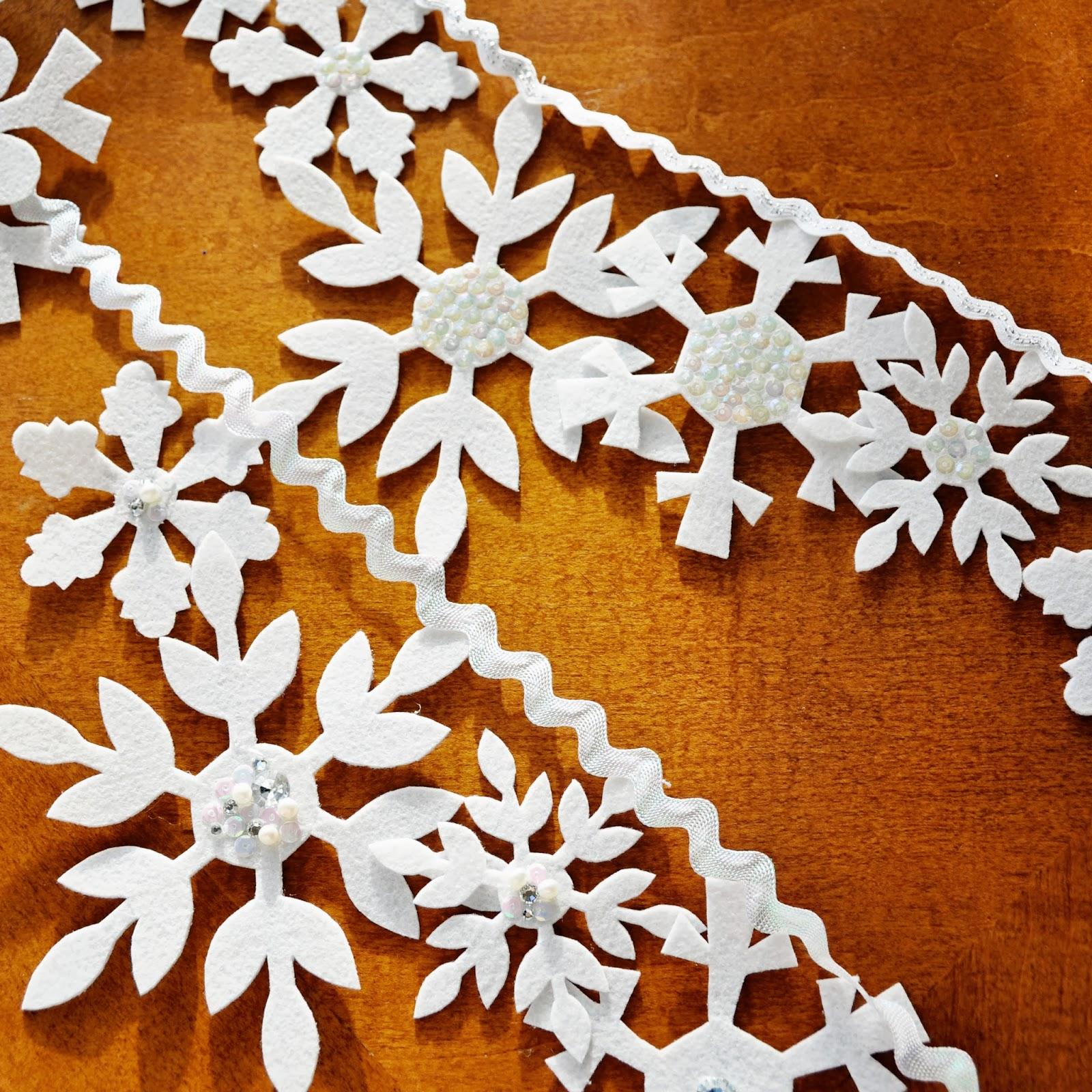 holly brooke jones  diy felt snowflake banner tutorial