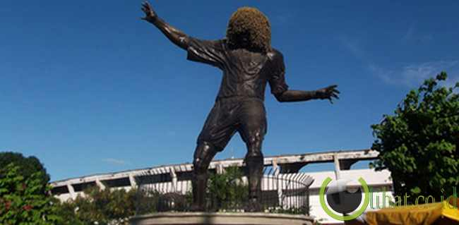 Carlos Valderrama (Eduardo Santos Stadium)