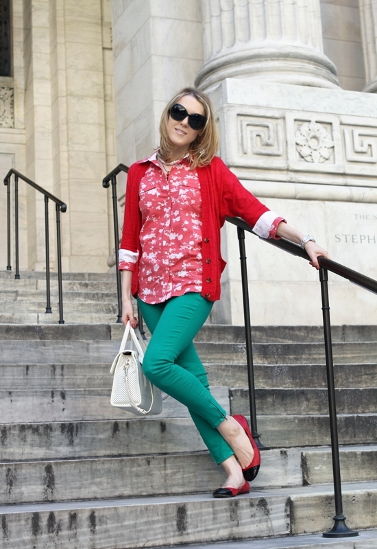 The Wind of Inspiration Outfit of the Day Post - Red On Green - Tommy Hilfiger Floral Print Utility Shirt American Eagle Outfitters Lightweight Cardigan Sweater Free People Ankle Zipper Skinny Jeans All Black Women's Snake Cap Ballet Flats Cole Haan Ivory Perforated Vintage Valise Brooke Flap Tote Bag 7eye Oversized Sunglasses Wittnauer Chronograph Watch Revlon Teak Rose Nail Polish
