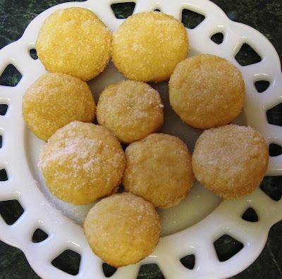 Debbi Does Dinner... Healthy & Low Calorie: Lemon Yogurt Mini Muffins