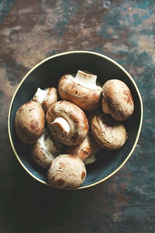 gourmandises de f es quelques recettes toutes simples avec des champignons de paris. Black Bedroom Furniture Sets. Home Design Ideas