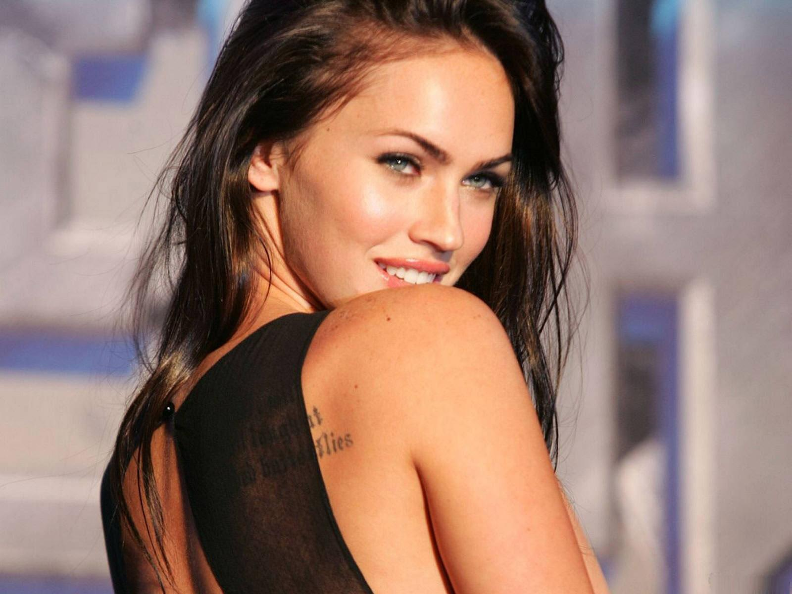 http://4.bp.blogspot.com/-_mzvU3DjQ08/TyVRzxd07GI/AAAAAAAACp0/SoME5VKr7G0/s1600/Megan-fox-Wallpapers-For-Desktop-5.jpg