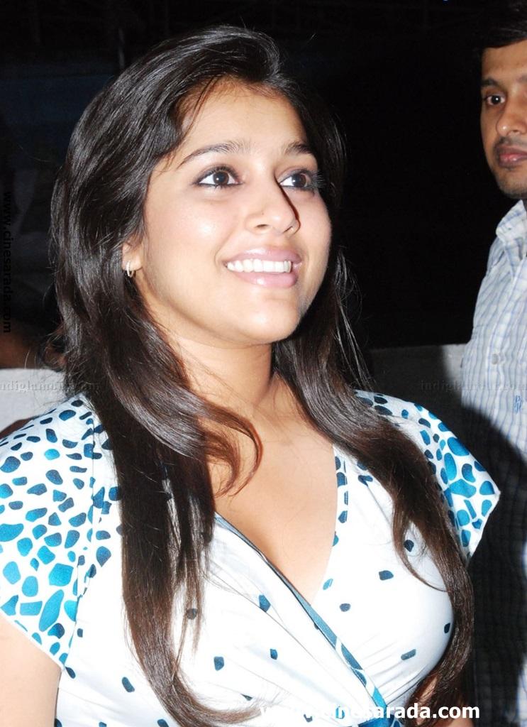 Rashmi Gautam Hot Photos | Jabardasth New Anchor Rashmi ...