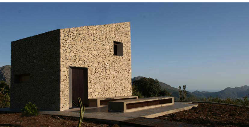 Small simple stone house spain most beautiful houses in for Minimalist house spain