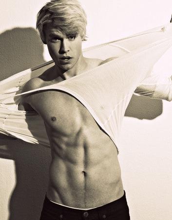 Erick Alexander Barker {#ID} Chord-overstreet-shirtless-4