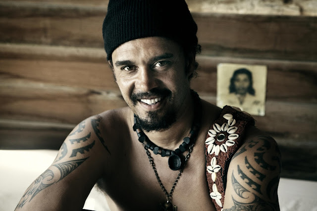 Traduzione testo download On And On - Michael Franti & Spearhead