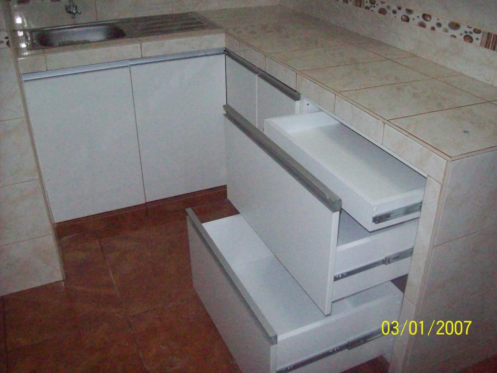 Muebles de vidrio y aluminio 20170806112038 for Cocinas integrales en aluminio
