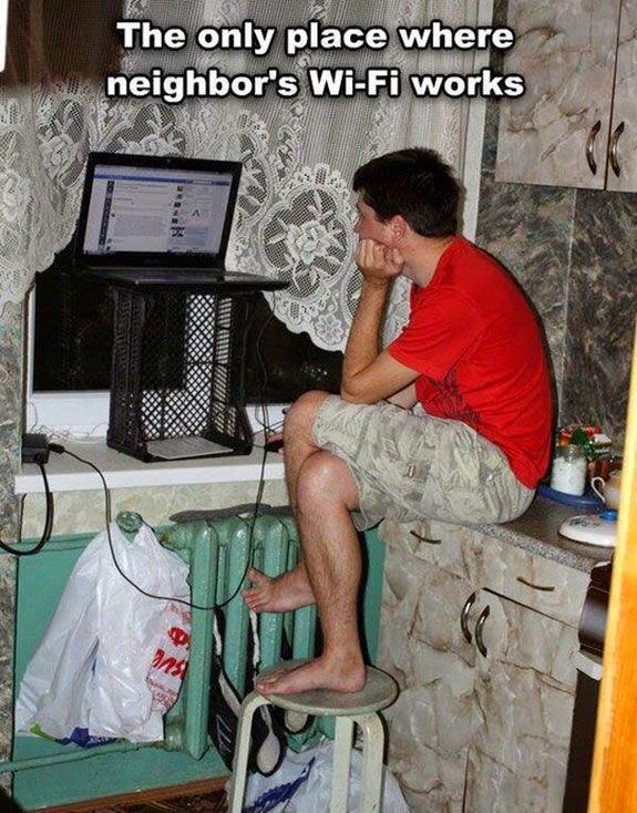 на одном компьютере плохо ловит wifi