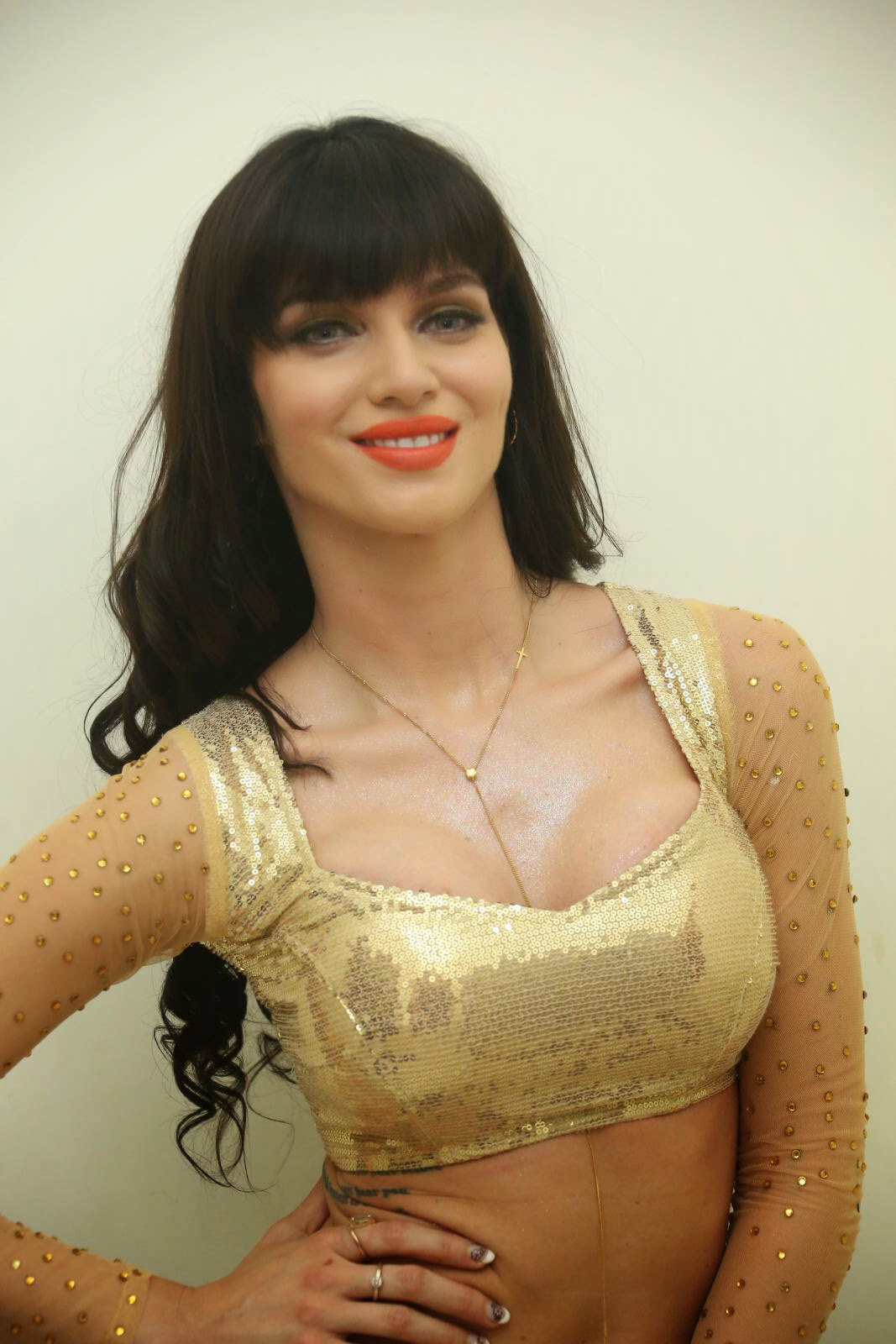 Hq pics n galleries scralet wiliams latest hot stills for Latest hottest pics