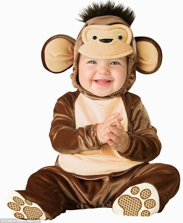 gambar bayi memakai kostum yang lucu juga unik