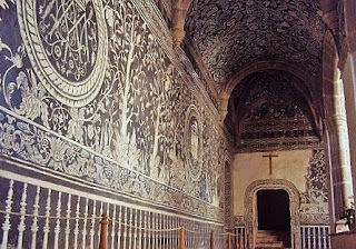 Frescos en las paredes del convento