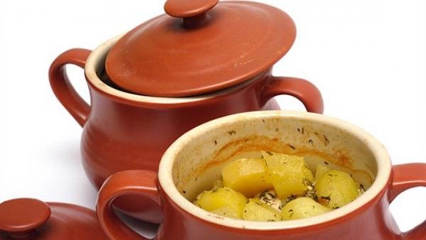 Куриное филе и картофель в горшочках в духовке - Ресторан дома