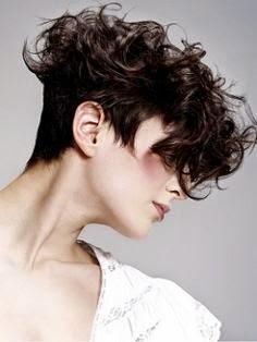 undercut-cabelos-cacheados-femininos