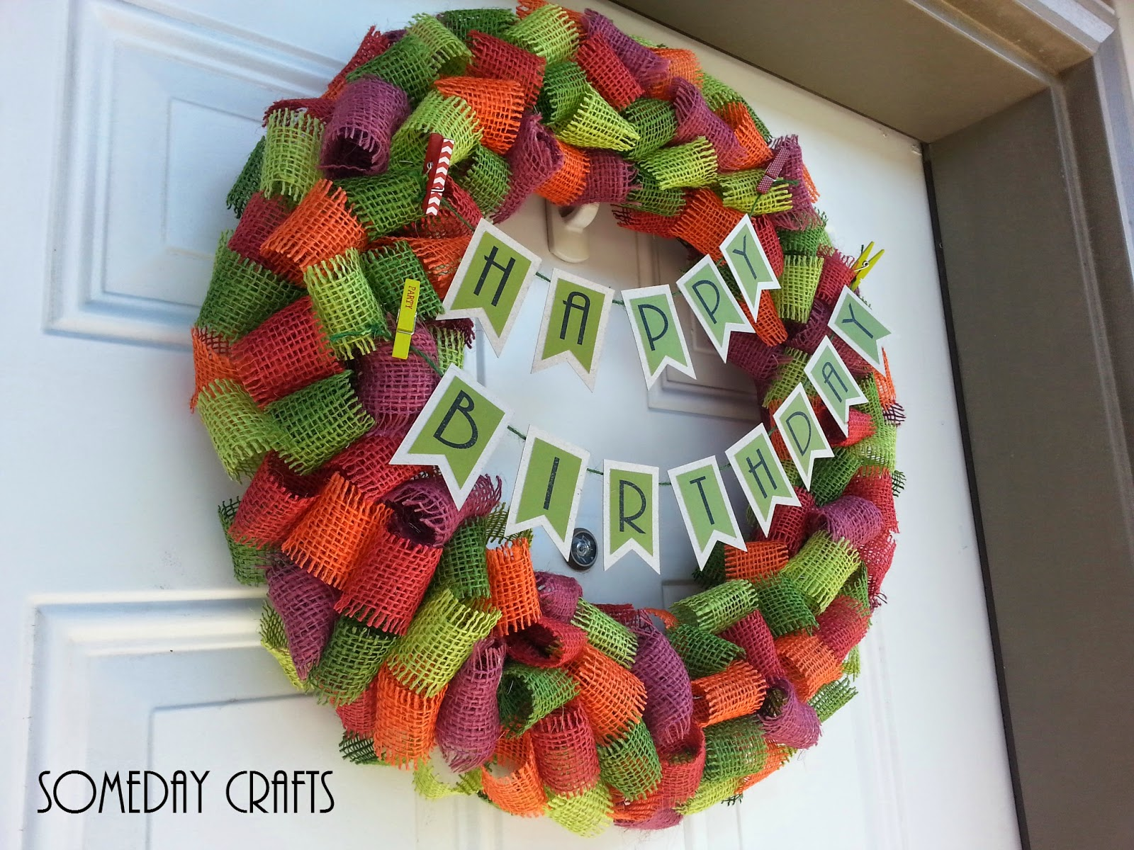 http://somedaycrafts.blogspot.com/2014/07/looped-burlap-ribbon-birthday-wreath.html