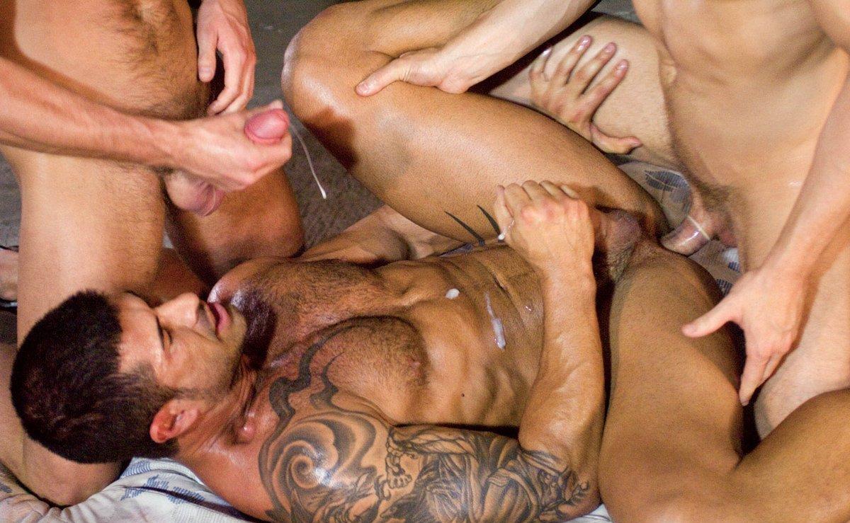 ADAM KILLIAN, JAYDEN GREY Y LANDON CONRAD - Fotos Trio Gay Hot.