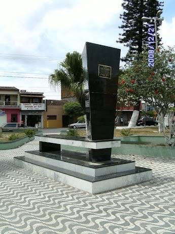 MONUMENTO DA PRAÇA 26 DE NOVEMBRO