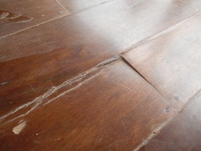 Decoraciones manualidades en madera pintar pisos de madera for Pisos de bar madera