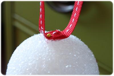 passo a passo de árvore de natal feita com jujubas