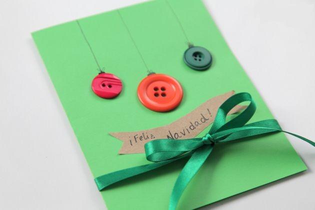 Tarjeta navide a manualidades con botones un mundo de - Manualidades tarjeta navidena ...
