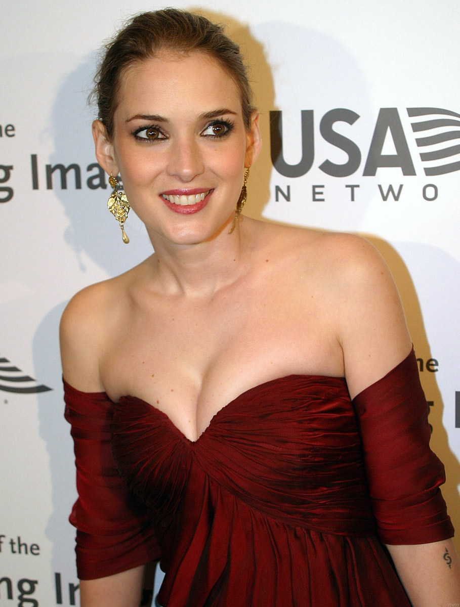 Winona Ryder hot hd wallpapers — Entertainment Exclusive ...
