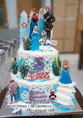 Birthday Cake Elsa and Enna