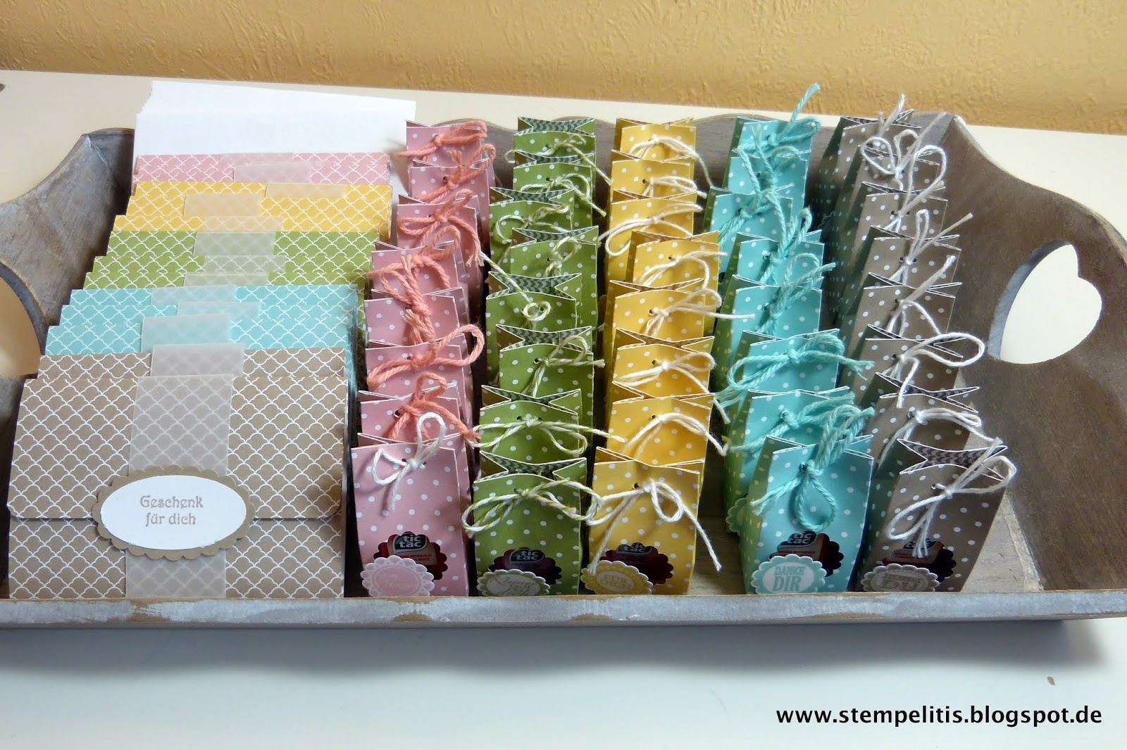 Stempelitis Ein Tablett Pastellfarben Bitte