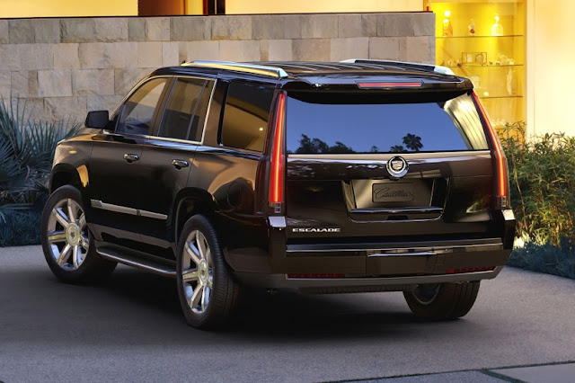 Changes Cadillac Escalade for 2015 back view