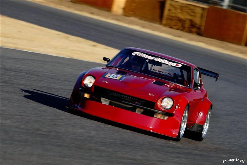 Nissan Fairlady Z (S30), czerwony, red, tuning, wyścigi, racing, pasja, samochód z duszą, kultowy, Datsun 240Z, galeria, fotki, japońskie, JDM, klasyk, stary, oldschool