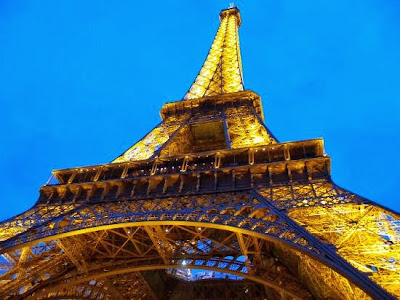 Menara Eiffel di paris, france (prancis)