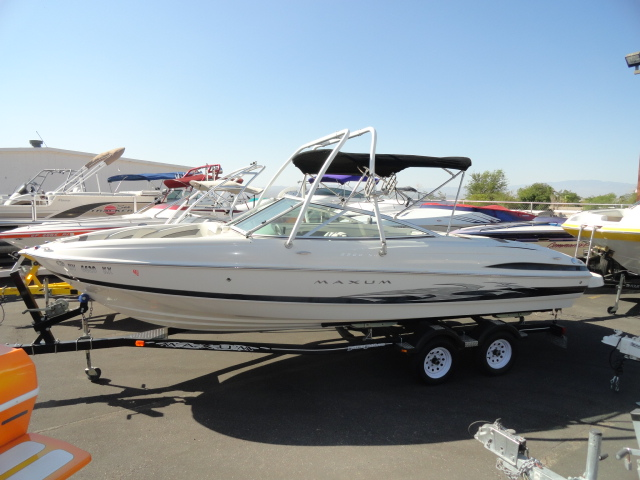 2006 Maxum 2200SR3 Sport Boat! Versatile Boat! Ready for family, friends, ...