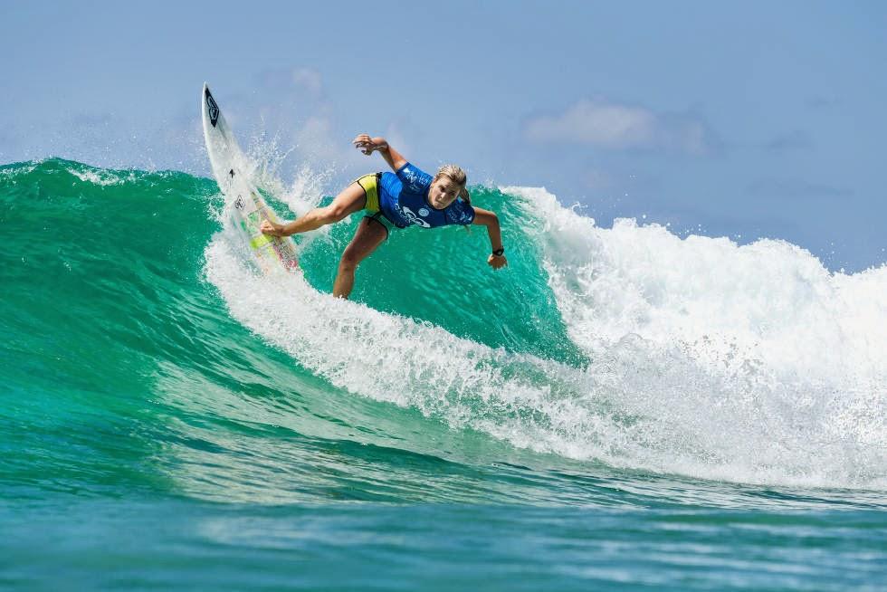 49 Roxy Pro Gold Coast 2015 Bronte Macaulay Foto WSL Kelly Cestari