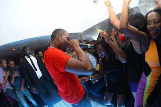 Likwid Lounge ; Photos From Olamide  Henessy Artistry With Dbanj- - Olamide Hot Oerformance.