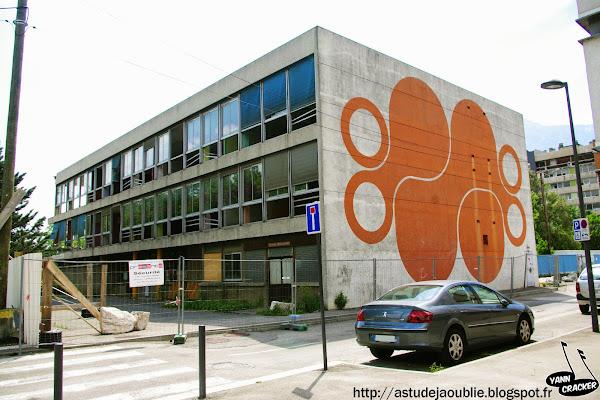 Grenoble - Ecole Elémentaire Mistral  Peinture Acrylique: Pham Ngoc Tuan  Projet / Construction: 1974