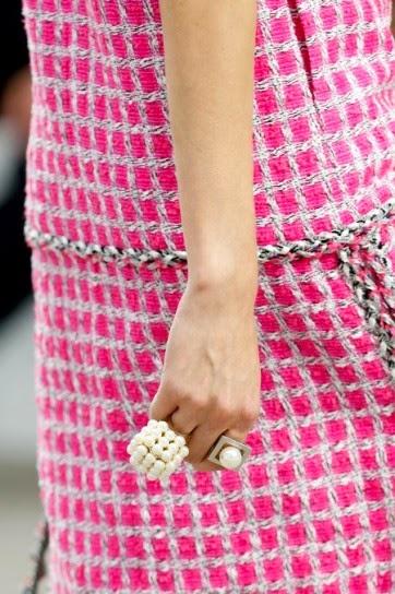 perle trend primavera estate 2014 abiti balmain con le perle gioielli chanel maxi perle fashion blogger italiane colorblock by felym blog di mariafelicia magno abbinamenti perle come abbinare le perle come indossare le perle mariafelicia magno fashion blogger del blog colorblock by felym pochette con perle