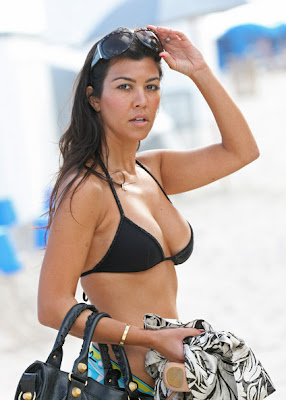 Kourtney Kardashian Hot