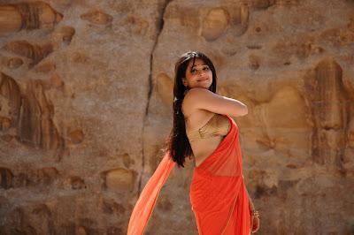 anushka from ragada movie, anushka new spicy photo gallery