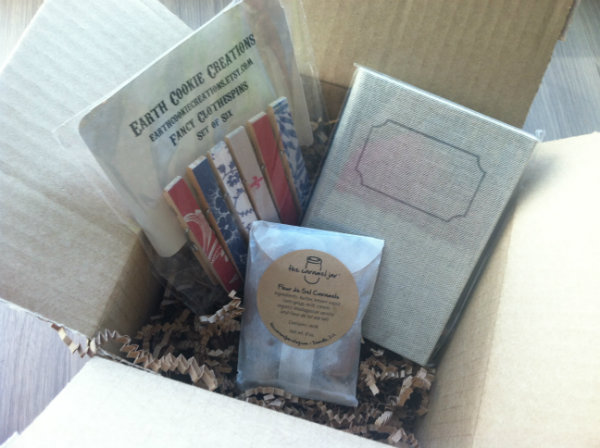 Umba Box Review - November 2012 - Monthly Indie and Handmade Subscription Boxes