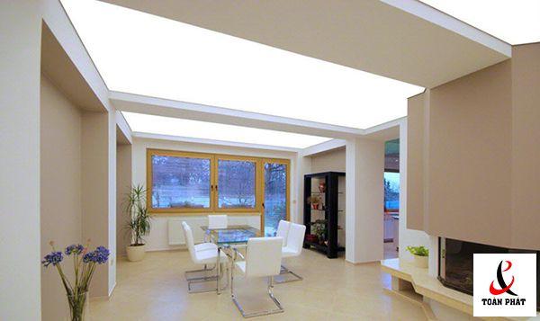 Có nên sử dụng trần xuyên sáng trong thiết kế trần nhà 1