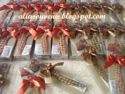 souvenir pembuka amplop