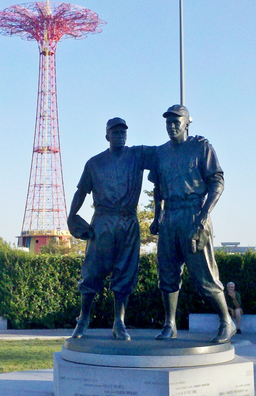 Reese and Robinson Statue