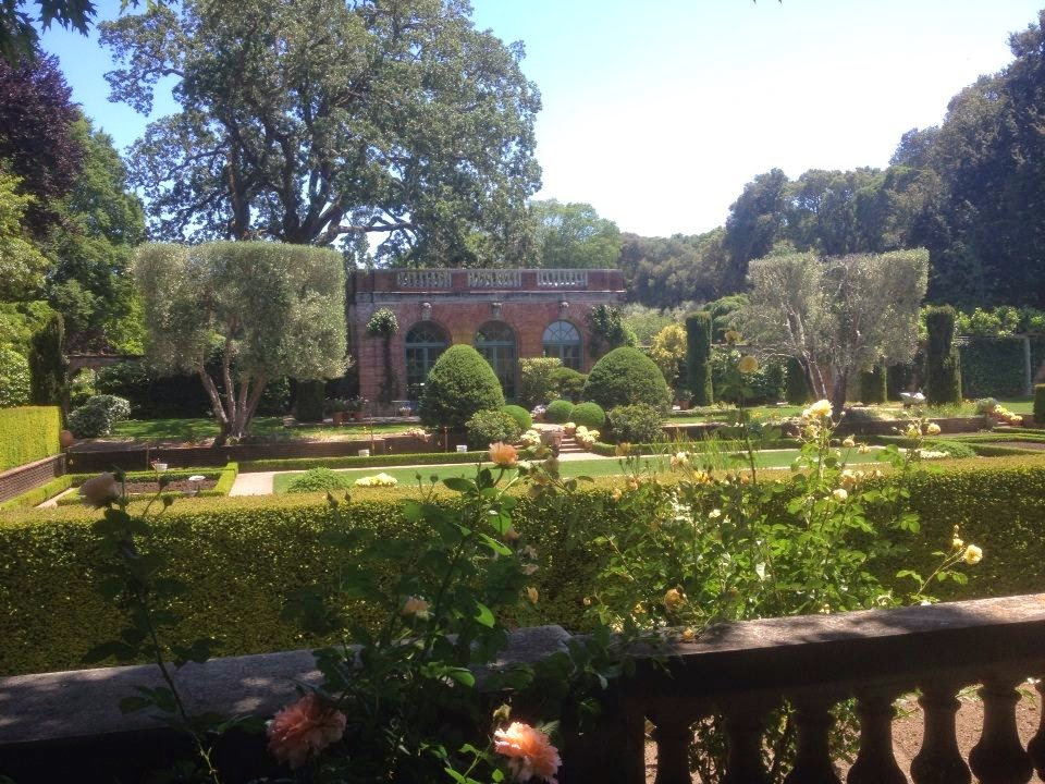 Mansion garden pavillon