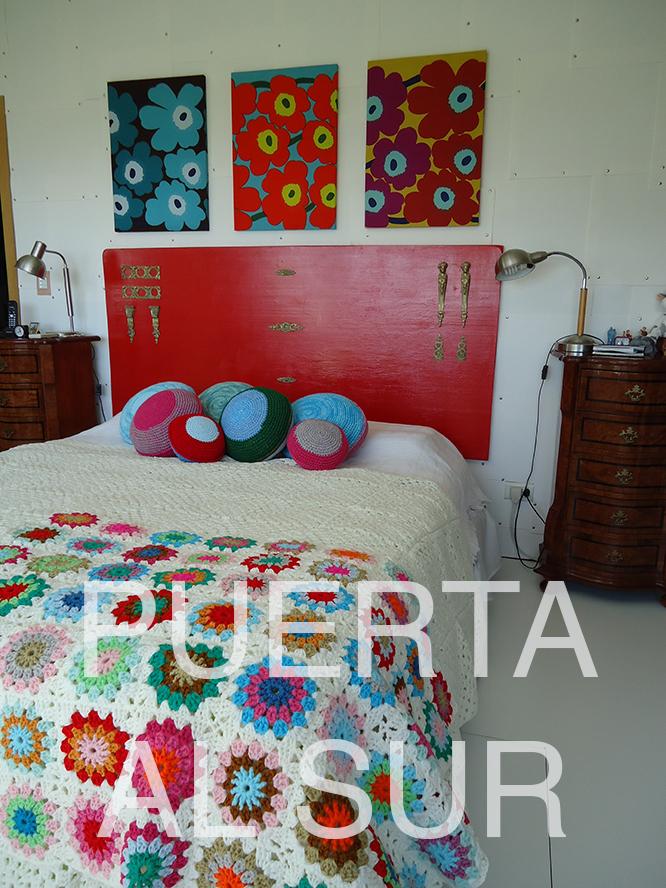 Puerta al sur el pie de cama se puede colocar de maneras for Cama que se dobla