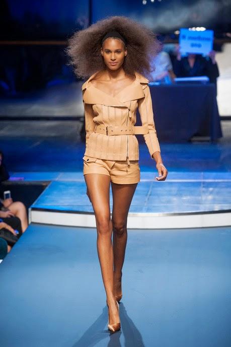 beaux vêtement de prêt à porter Jean Paul Gaultier preintemps été 2014 short en cuir fauve marron et veste en cuir fauve marron