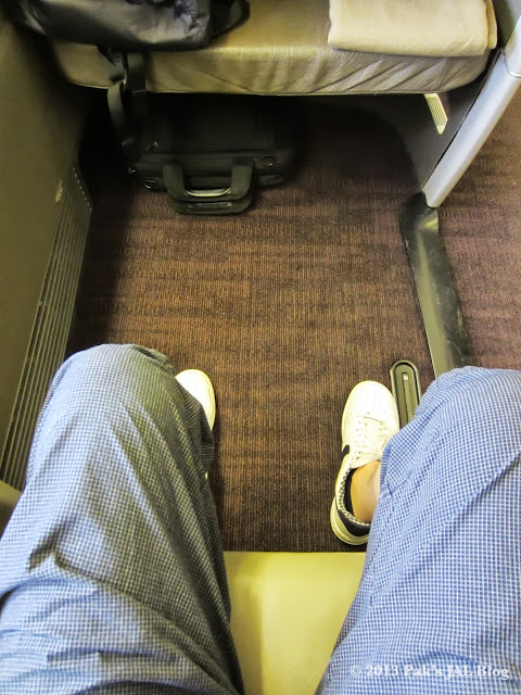 JAL Suite has a very generous legroom as one would expect on an international first class seat