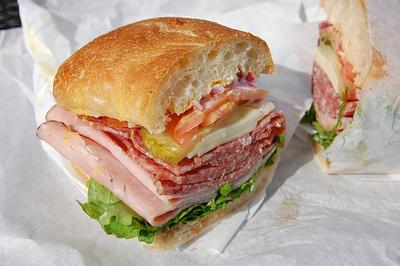 me and littleprays membuat sandwich sederhana