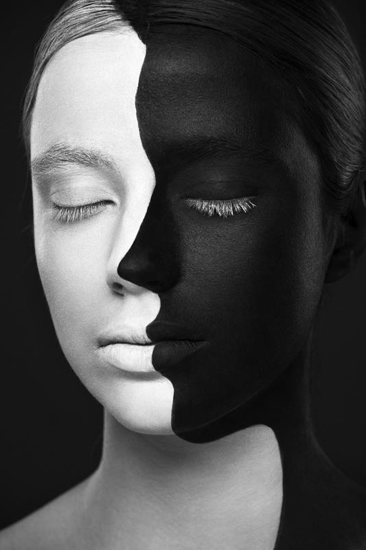 la vie digitale alexander khokhlovs unique black  white