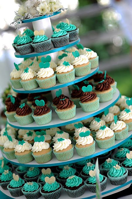 teal and white wedding cupcakes